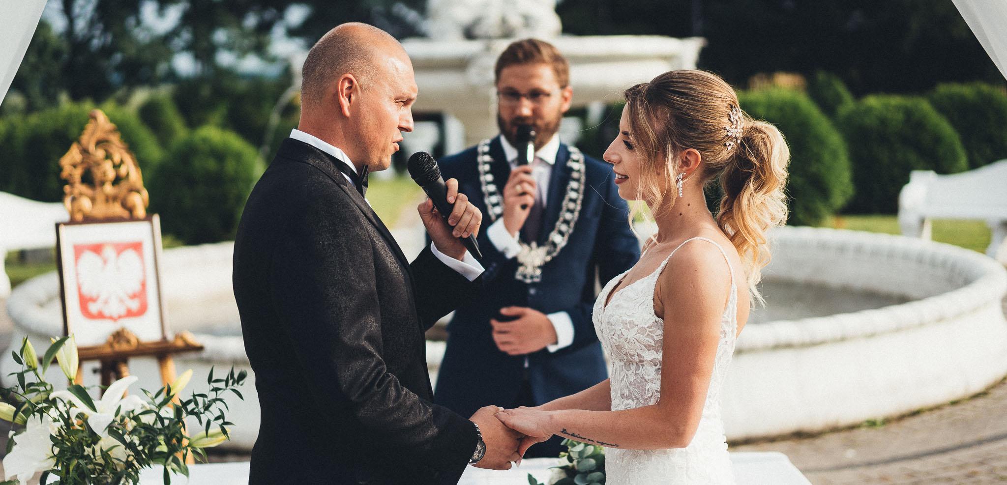 Przysięga Ślub w plenerze biały Pałac